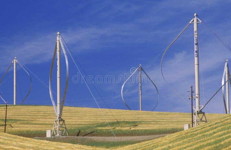 Parco eolico al passaggio di Altamont, CA immagini stock