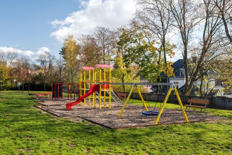 parco giochi per bambini nel parco cittadino di Liberec City fotografia stock libera da diritti