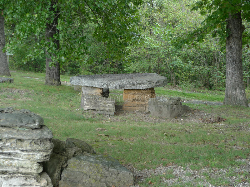 Parco indiano del bordo della strada dell'insenatura, Lanagan, Mo, tavola di picnic immagini stock libere da diritti