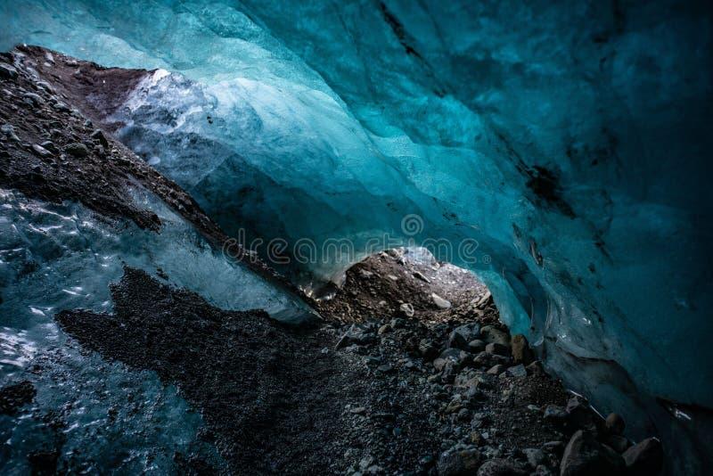 Parco nazionale della grotta del ghiaccio a Skaftafell fotografia stock