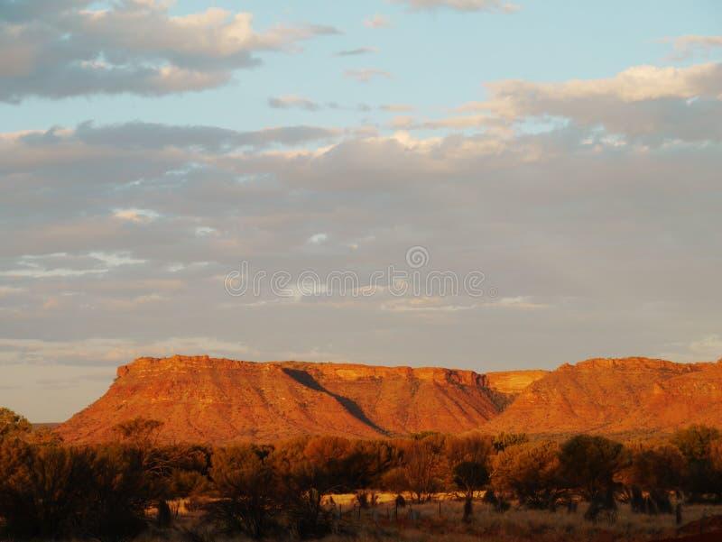 Parco nazionale di Watarrka al tramonto fotografie stock