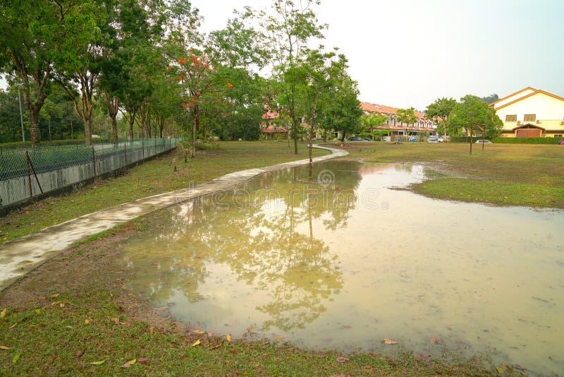 Parco sommerso dopo pioggia immagine stock libera da diritti