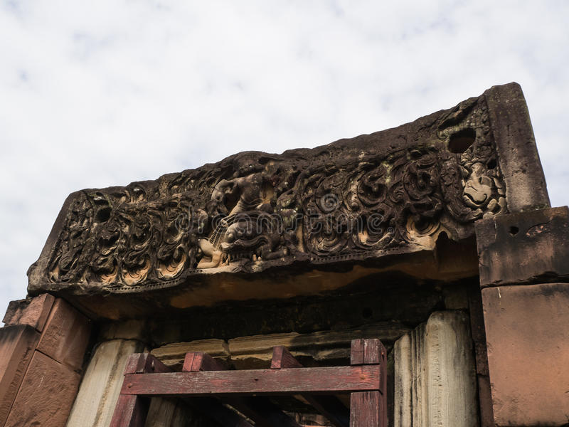 Parco storico di scultura di pietra di Phimai della sabbia khmer antica di arte Pra fotografie stock libere da diritti