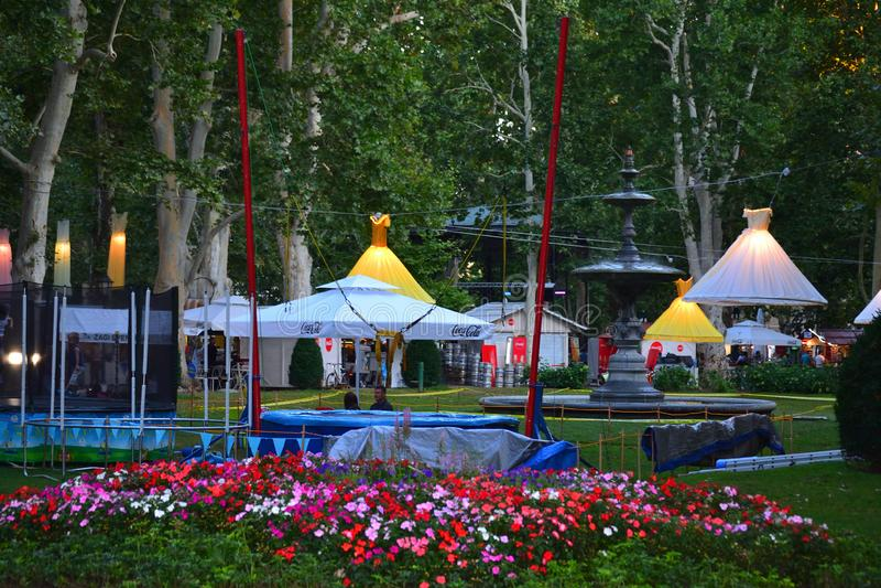 Parco Zrinjevac alla notte in Zagreb Croatia immagine stock