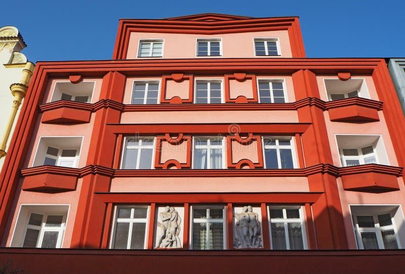 Pardubice, République Tchèque La façade des bâtiments historiques au centre de la ville images libres de droits