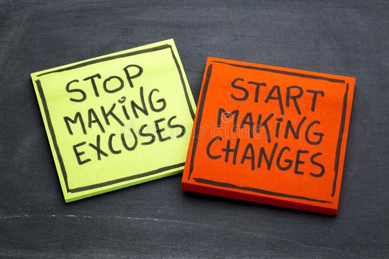 Pare el hacer de las excusas - nota del recordatorio foto de archivo