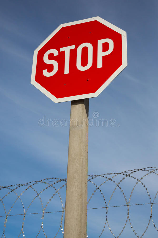 Pare o fio do sinal e da lâmina imagens de stock