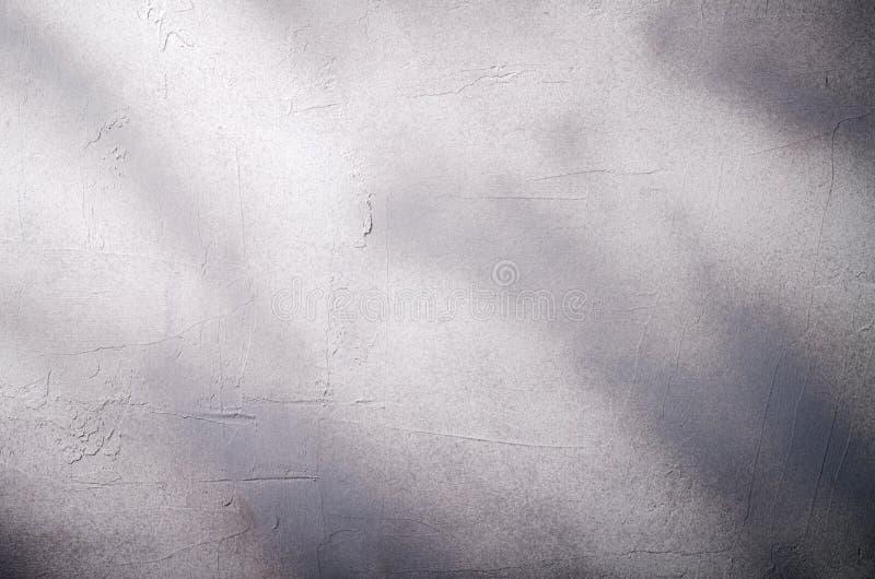 Pared agrietada dañada vieja de la pintura, fondo del Grunge, color gris de mármol fotografía de archivo libre de regalías