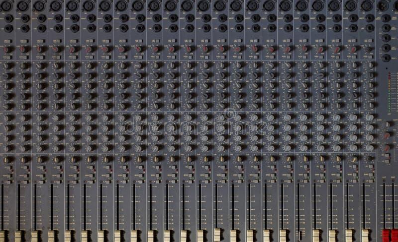 pared analógica del mezclador imagen de archivo libre de regalías