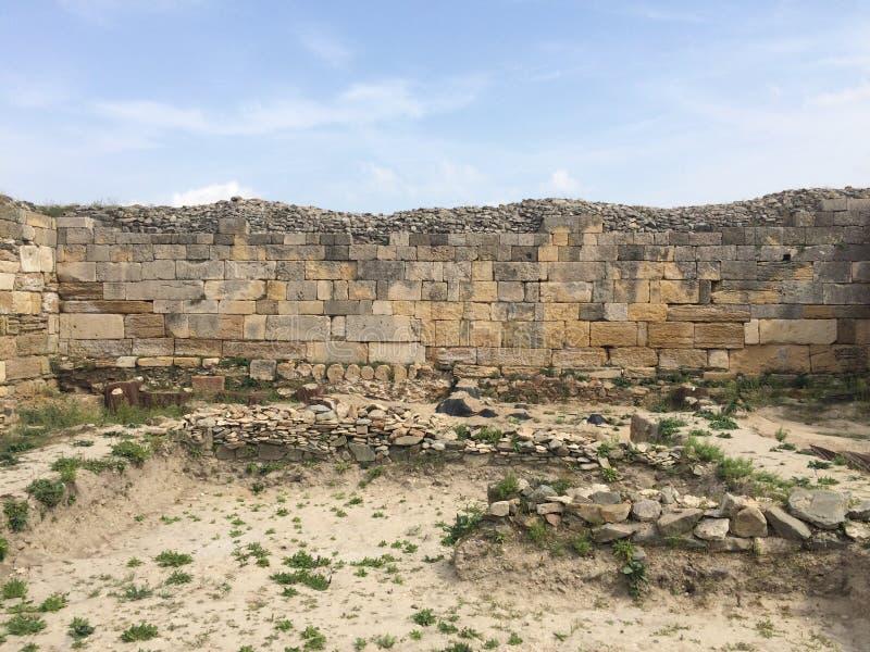 Pared antigua en la ciudadela de Histria fotos de archivo