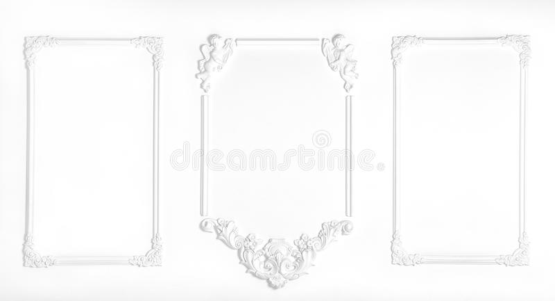 Pared blanca adornada con el estuco, en el renacimiento, barroco fotos de archivo libres de regalías