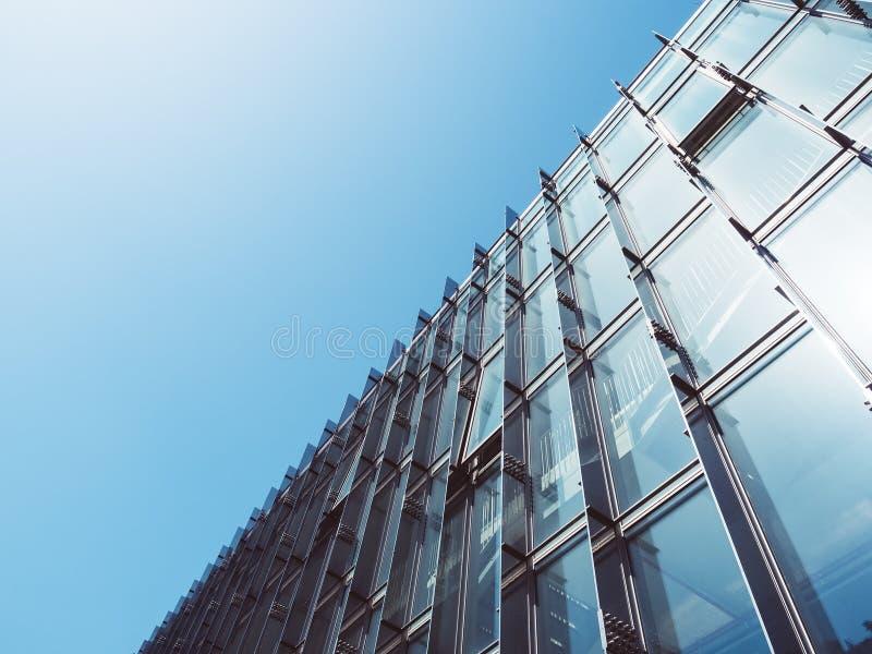 Pared de cristal de la arquitectura moderna que construye el fondo abstracto fotografía de archivo libre de regalías