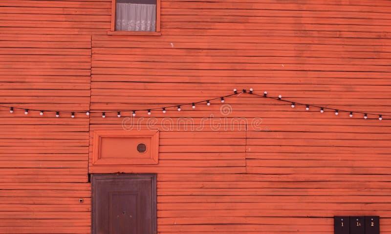 Pared de la casa de madera imagenes de archivo
