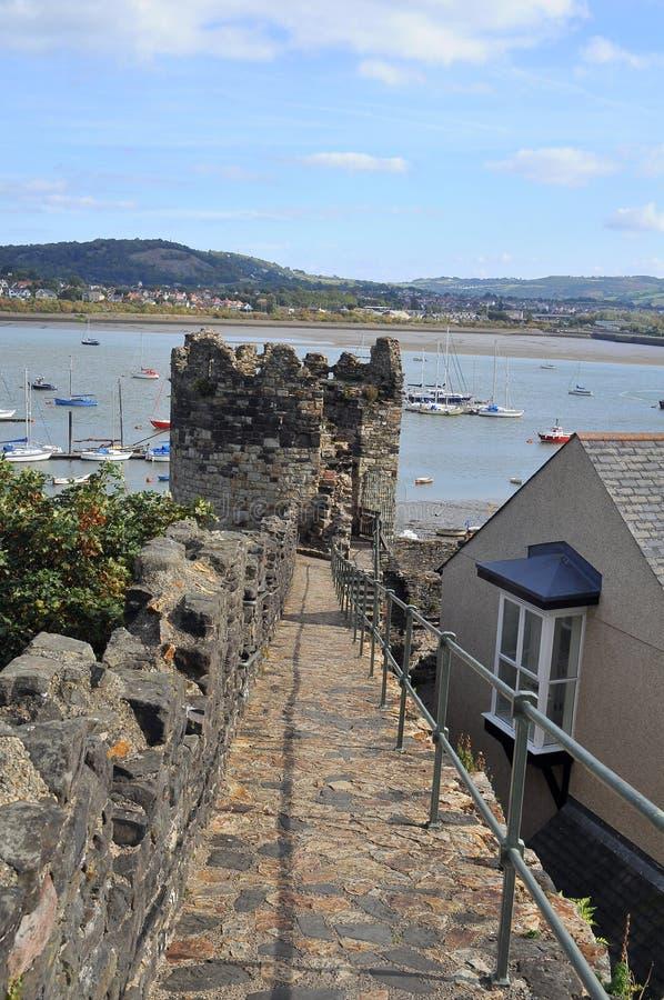 Pared de la fortaleza de Conwy, País de Gales del norte imágenes de archivo libres de regalías