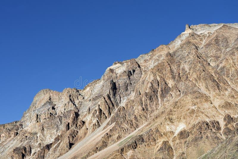 Pared de la montaña rocosa foto de archivo libre de regalías