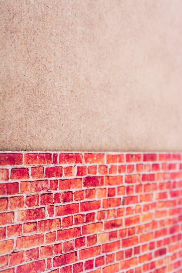 Pared de ladrillo roja resistida vieja como fondo en la pared marrón foto de archivo libre de regalías