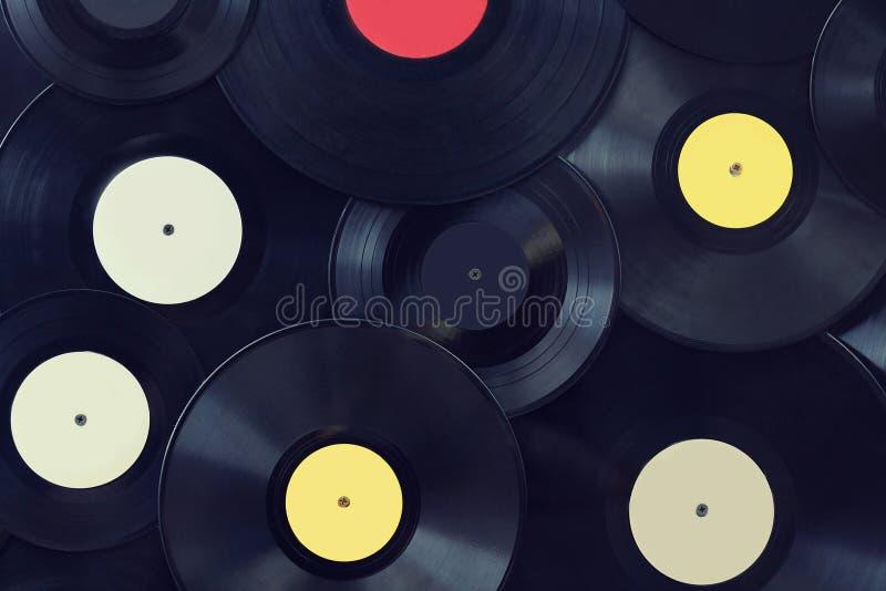 Pared de los discos del vinilo fotografía de archivo libre de regalías