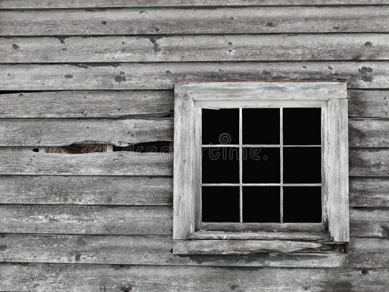 Pared de madera gris vieja con el fondo de la ventana. imagen de archivo