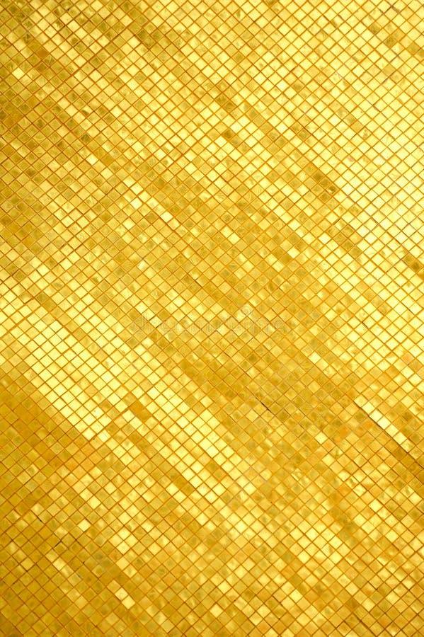 Pared de oro del mosaico imagen de archivo libre de regalías