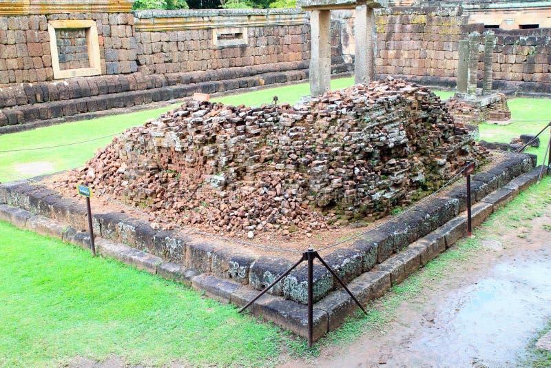 Pared de piedra antigua en el templo de Phanomrung, Tailandia imagen de archivo