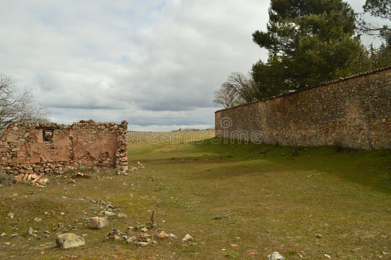 Pared de piedra medieval maravillosa en nuestro paseo en Medinaceli fotografía de archivo libre de regalías