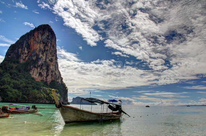Download Pared De Thaiwand Con La Playa De Phra Nang En Tailandia Foto de archivo - Imagen de aventura, océano: 42431724