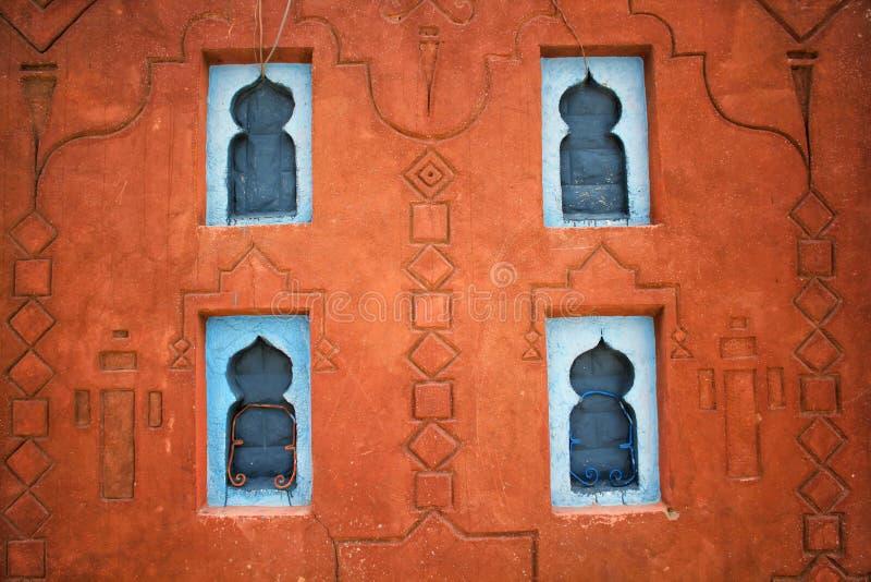 Pared decorativa tradicional vieja hecha de la arcilla fotos de archivo libres de regalías