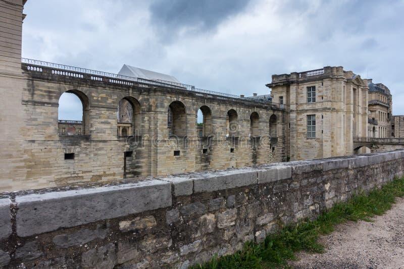 Pared del castillo de Vincennes, París francia 14to - siglo XVII de la fortaleza real foto de archivo libre de regalías