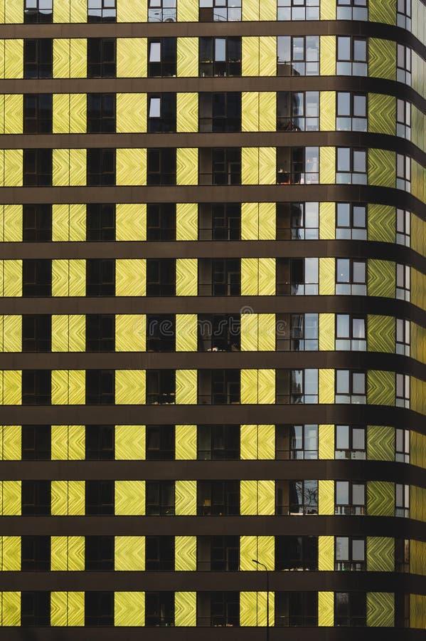 Pared del edificio detalle del nuevo edificio colorido construido Construcci?n residencial moderna fotografía de archivo