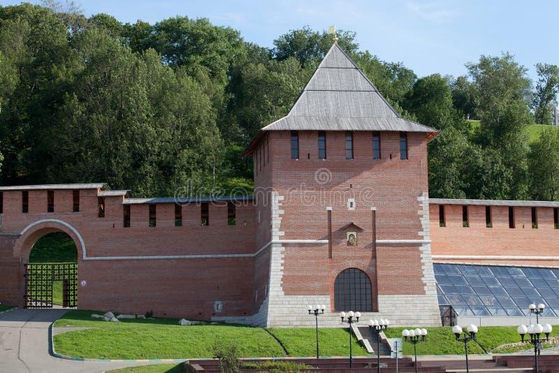 Pared del Kremlin y torre del concepto en Nizhny Novgorod, Rusia imagen de archivo libre de regalías
