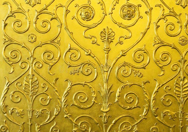 Pared Del Oro Con El Ornamento Imagen de archivo - Imagen de modelo ...