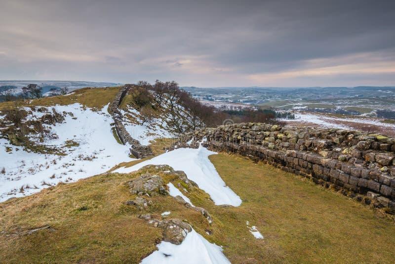 Pared del ` s de Hadrian en Walltown en invierno foto de archivo