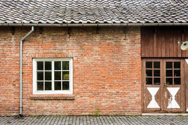 Pared exterior de la casa imagenes de archivo
