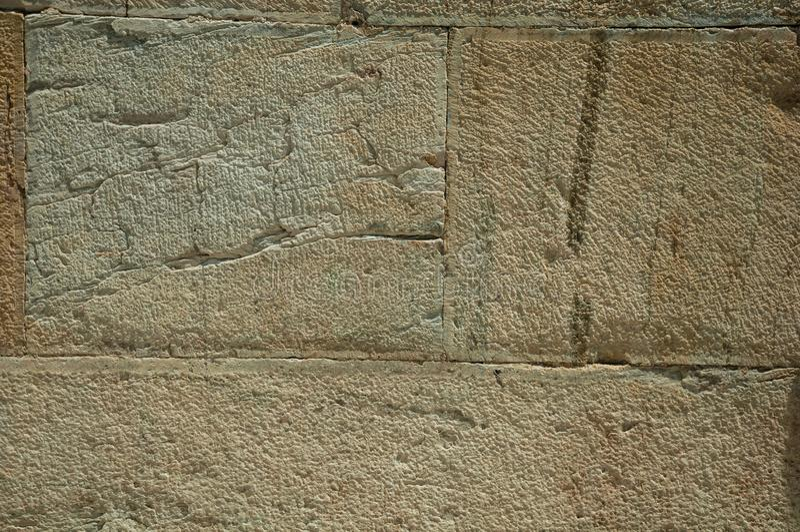 Pared hecha de ladrillos de piedra grandes imagen de archivo libre de regalías