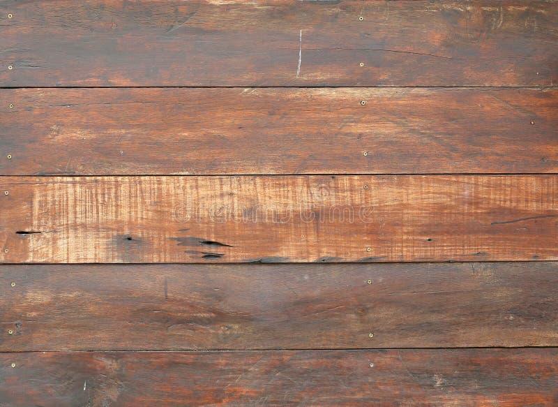 Pared hecha de tablones de madera imagenes de archivo