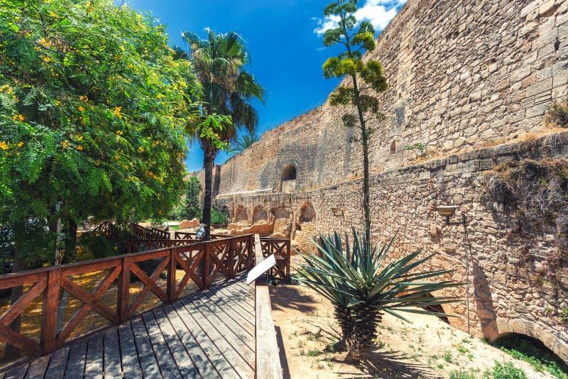 Pared histórica del castillo en Palma de Mallorca, España foto de archivo