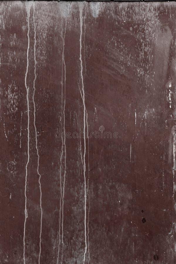 Pared oxidada vieja del garaje del metal fotos de archivo libres de regalías
