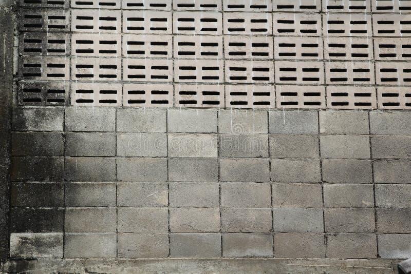 Pared vieja del bloque de cemento imagenes de archivo