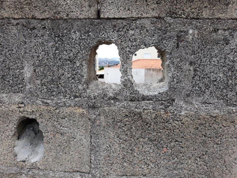 Pared vieja gris vieja en la ciudad de Atibaia imágenes de archivo libres de regalías