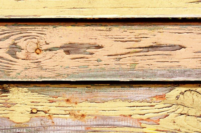 Pared vieja pintada amarillo imagen de archivo libre de regalías