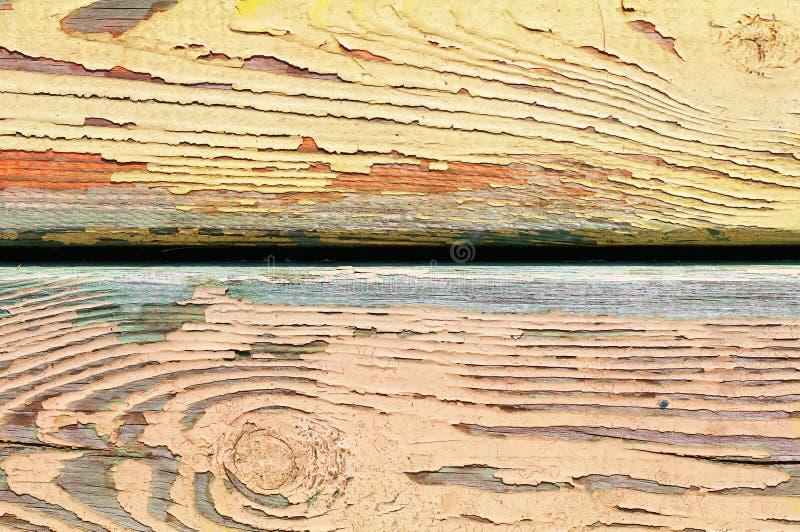 Pared vieja pintada amarillo foto de archivo libre de regalías