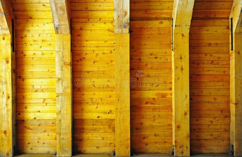Pared y ayudas de madera imagen de archivo libre de regalías