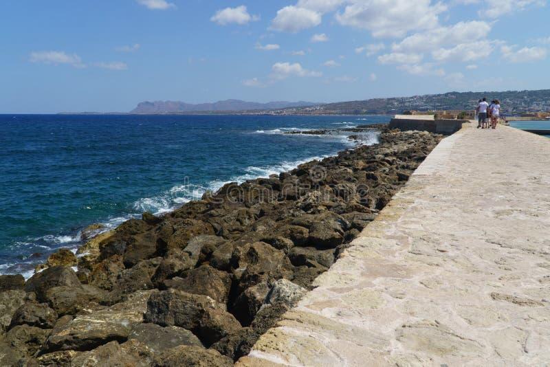 Pared y costa de Chania Grecia foto de archivo libre de regalías