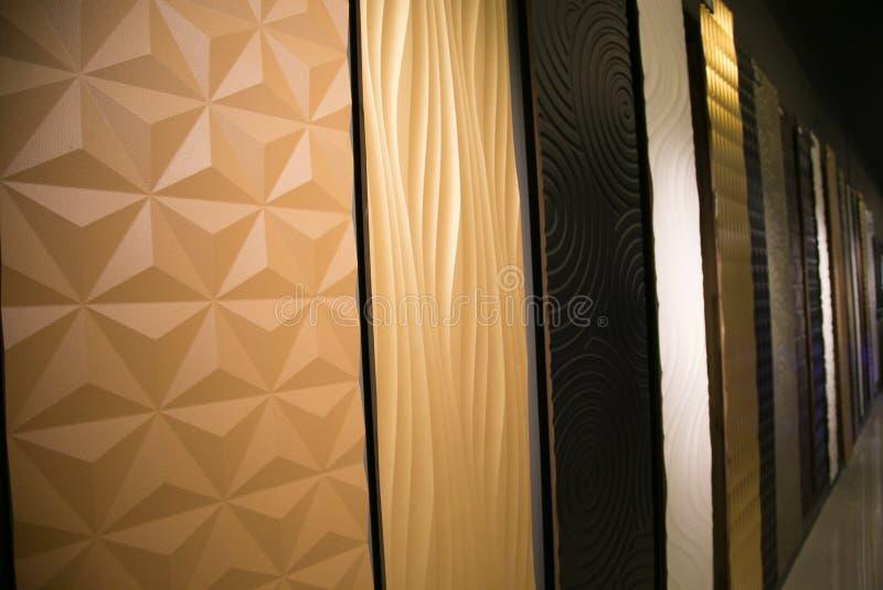 Parede abstrata do fundo da arquitetura na sala de exposições foto de stock