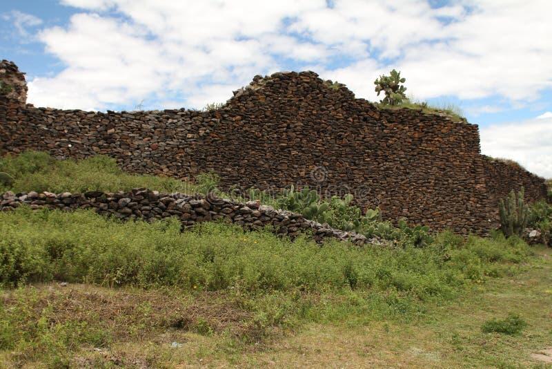 Parede antiga construída por povos de Wari imagem de stock