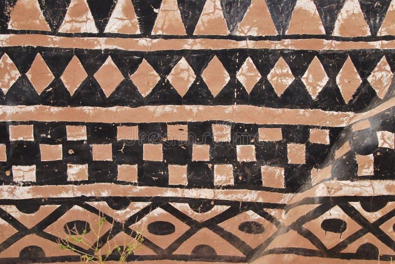 Parede com pintura tribal africana fotografia de stock royalty free