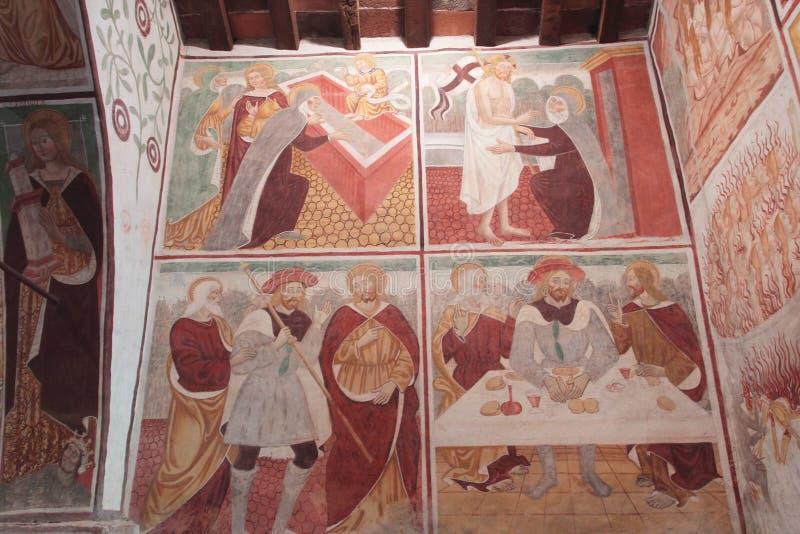 Parede da capela XV pintada interior foto de stock