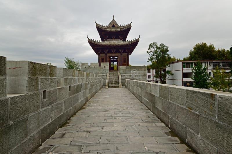 A parede da cidade antiga em Langzhong foto de stock royalty free