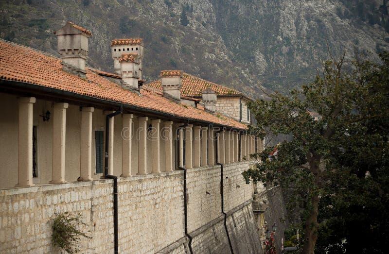 A parede da cidade de Kotor, Montenegro fotografia de stock
