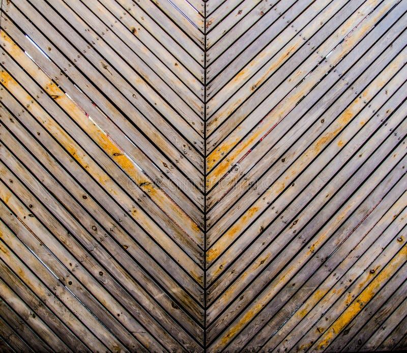 A parede da microplaqueta de madeira fotografia de stock